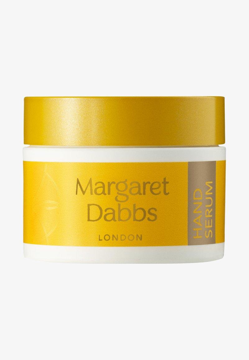 Margaret Dabbs London - INTENSIVE ANTI-AGEING HAND SERUM - Hand cream - -