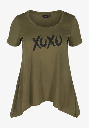 T-shirt print - ivy green xoxo