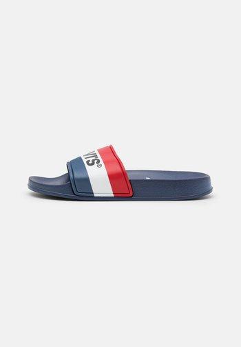 POOL UNISEX - Pantofle - navy/red