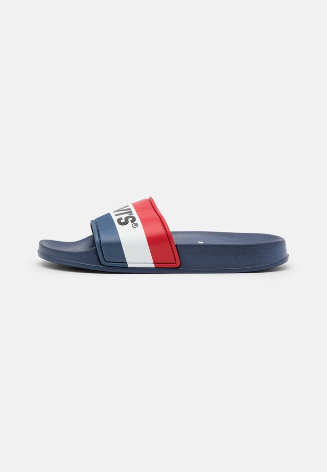POOL UNISEX - Pantofle - navy/red