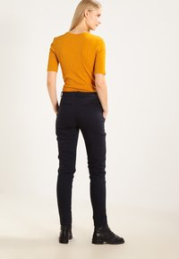 Fiveunits - KYLIE - Trousers - navy - 3