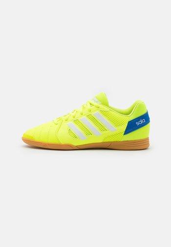 TOP SALA UNISEX - Indoor football boots - solar yellow/footwear white/glow blue
