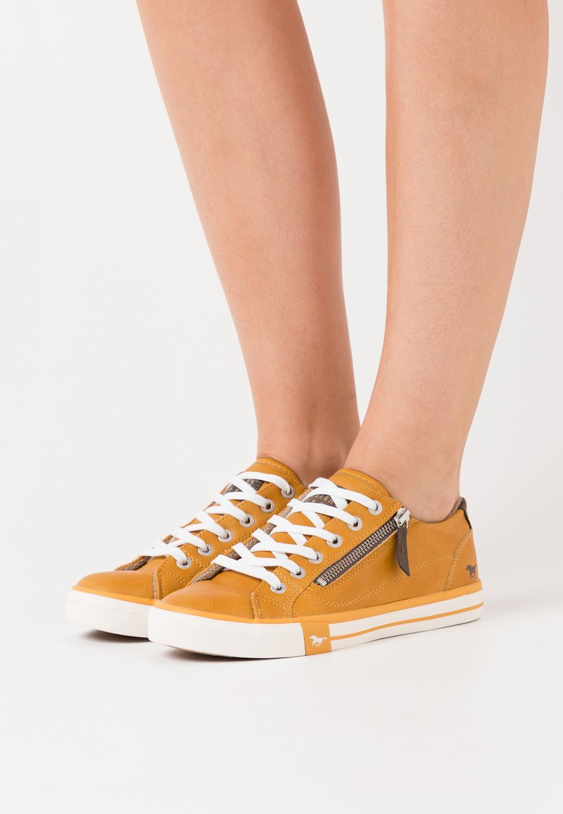 Mustang - Baskets basses - gelb