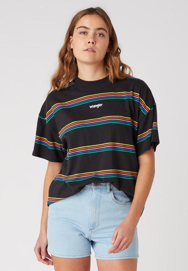 T-shirt med print - worn black