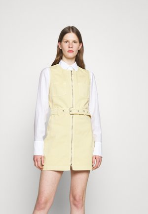 BOXY DRESS - Denim dress - faded yellow