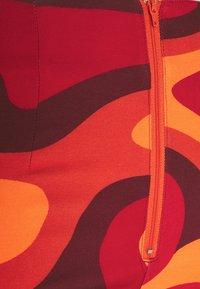 HOSBJERG - TINA PANTS - Trousers - orange waves - 2