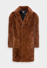 COAT PATCH POCKETS - Winter coat - brown