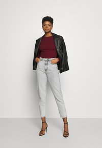 Missguided - BUTTON CUFF CREW NECK - Trui - burgundy - 1