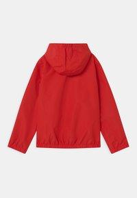 BOSS Kidswear - Vodotěsná bunda - bright red - 1