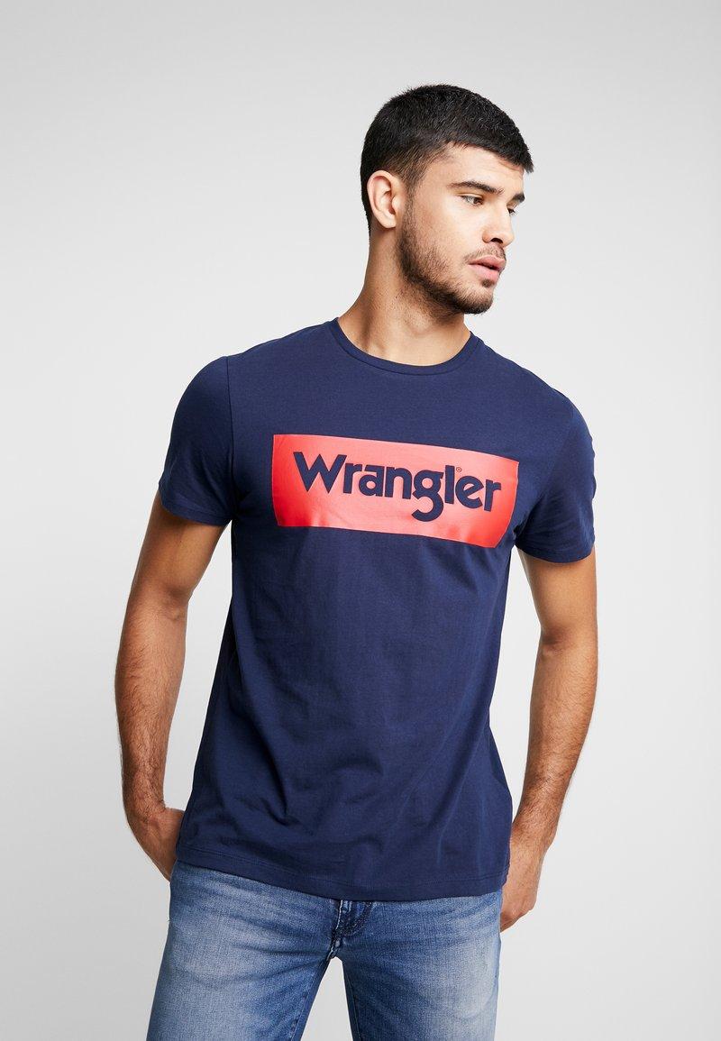 Wrangler - LOGO TEE - T-shirt z nadrukiem - navy
