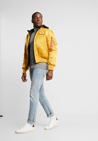 Alpha Industries - Bomber Jacket - wheat - 1