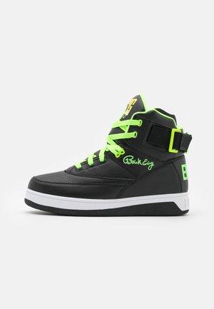 High-top trainers - black/green gecko/lemon tonic