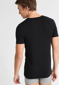 BOSS - 2 PACK - Undershirt - black - 2