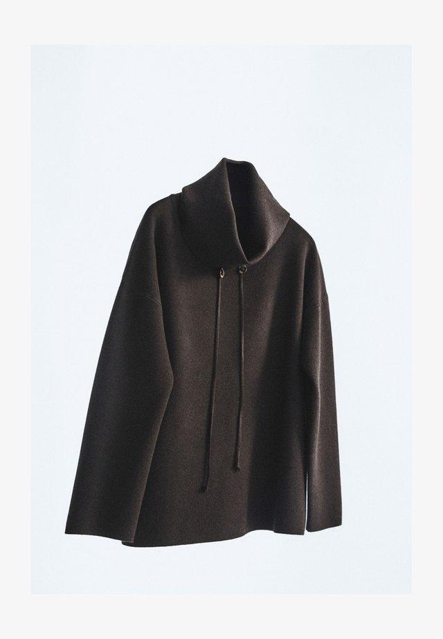 MIT KAPUZENKRAGEN - Sweter - brown