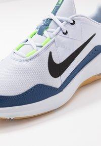 Nike Performance - AIR MAX ALPHA TRAINER 2 - Sports shoes - football grey/black/mystic navy - 5