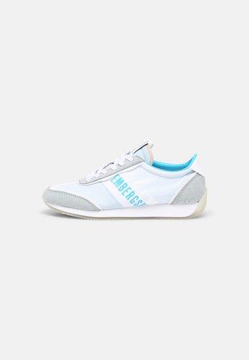 JULIE - Sneaker low - baby blue/cyan
