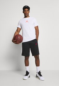 Jordan - JUMPMAN SHORT - Pantaloncini sportivi - black/black/white/gym red - 1
