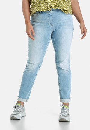BETTY - Slim fit jeans - light blue denim