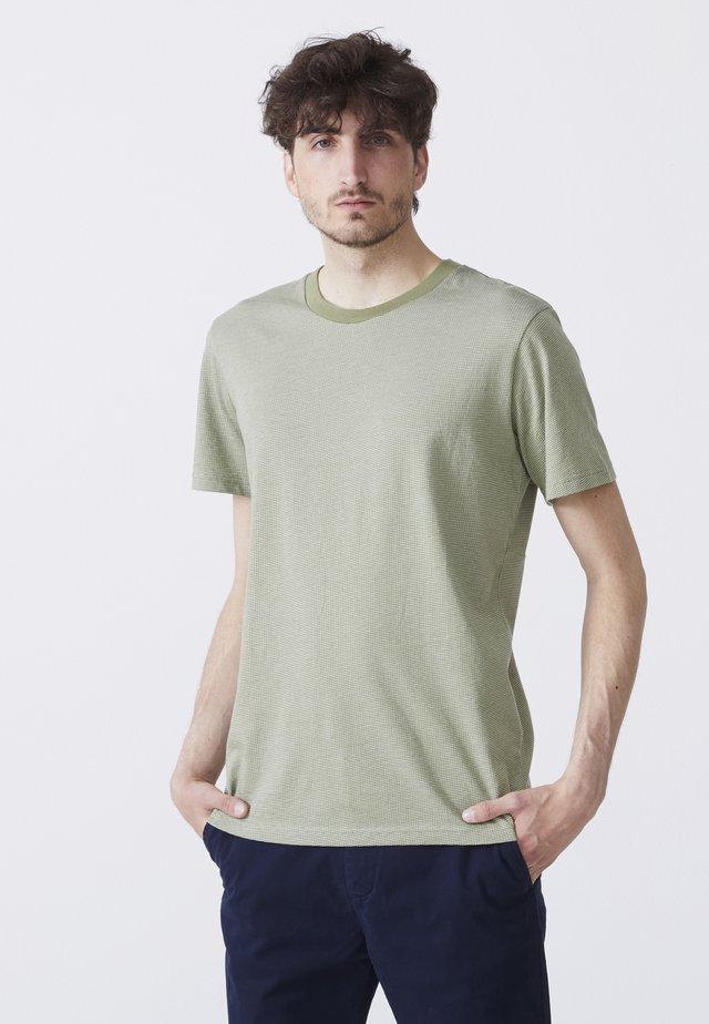 ADAM - T-shirt med print - light green