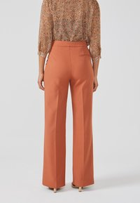 Aaiko - CHANTALLE TWILL VIS 345 - Trousers - toulouse brick - 2
