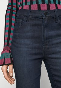 J Brand - FRANKY HIGH RISE CROP BOOT - Bootcut jeans - concept - 5
