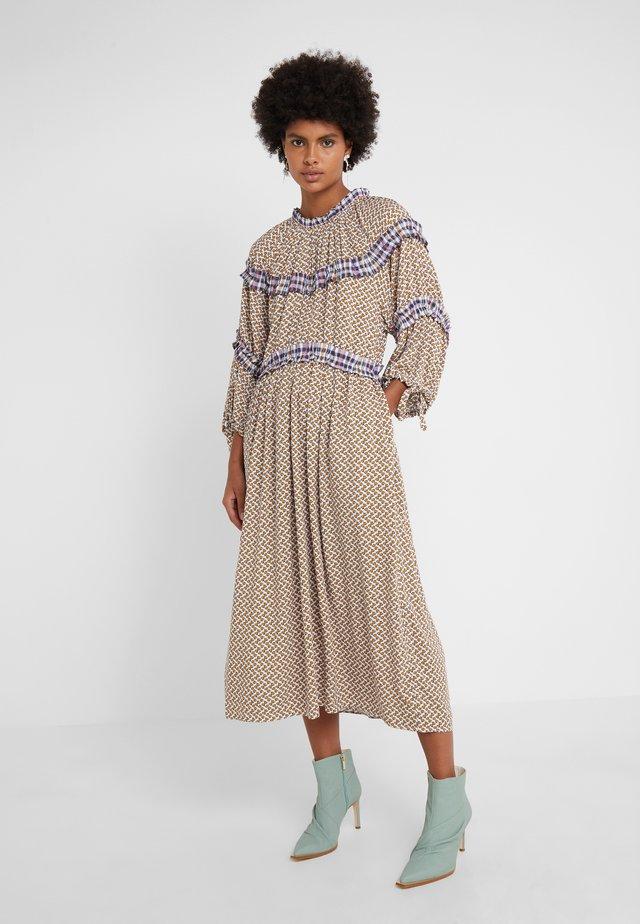 MIRIELLA - Vestito estivo - bronze/dahlia print