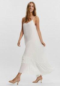 Vero Moda - Maxi dress - blanc - 1