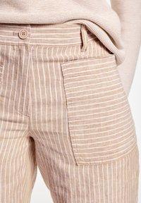 Gerry Weber - Shorts - beige/weiß - 3
