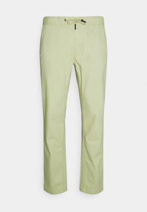 SCANTON DOBBY TRACK PANT - Trousers - bay laurel