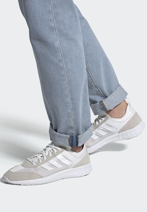 SL 7200 SHOES - Sneakers - white