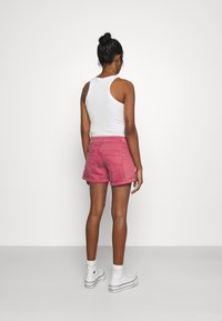 Pepe Jeans - SIOUXIE - Jeansshorts - dark chicle - 2