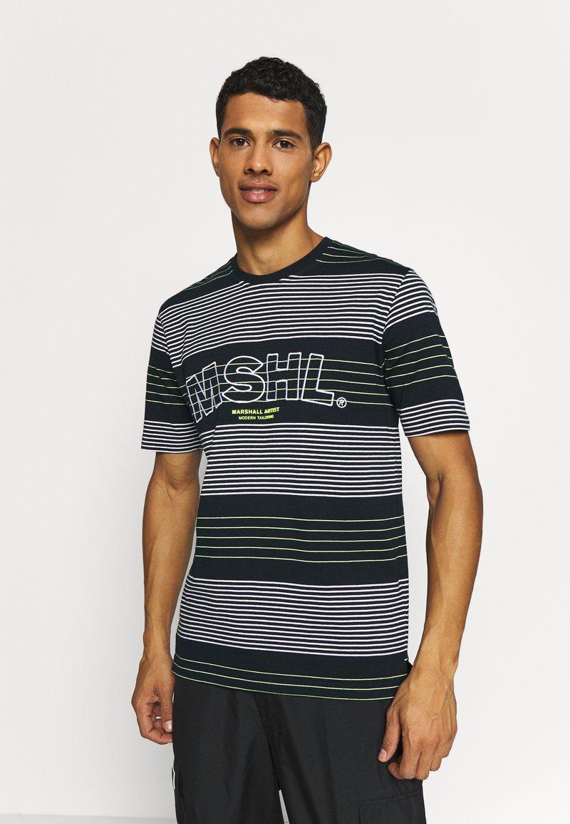 Marshall Artist - KENMARE - T-shirt z nadrukiem - navy