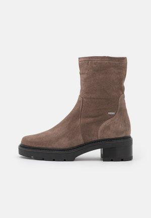 FAITH - Platform ankle boots - taupe