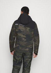 Brunotti - BARRY MENS SOFTSHELLJACKET - Snowboardová bunda - pine grey - 2