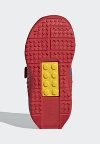 adidas Performance - X LEGO SPORT RUNNING ACTIVE PRIMEBLUE - Juoksukenkä/neutraalit - blue/white/red - 3