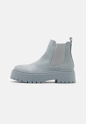 VEERLY - Platform ankle boots - grey/blue