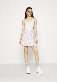 BDG Urban Outfitters - STRAPPY BUNGEE BODY THONG STRAP - Top - white - 1