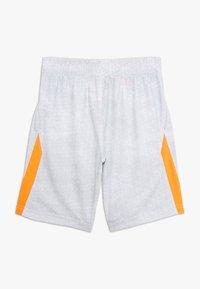 Nike Performance - DRY SHORT - Krótkie spodenki sportowe - white/hyper crimson - 1