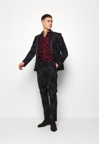 Twisted Tailor - LINFORTH - Chemise classique - burgundy - 1