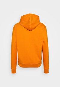 Karl Kani - SMALL SIGNATURE BOX HOODIE UNISEX  - Sweatshirt - orange - 7