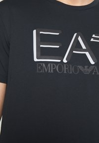 EA7 Emporio Armani - Triko spotiskem - blu notte - 5