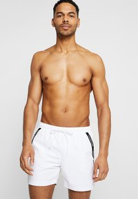 Calvin Klein Swimwear - MEDIUM DRAWSTRING - Swimming shorts - white - 0