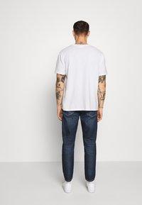 Tommy Jeans - DAD JEAN STRAIGHT - Jeans straight leg - dark-blue denim - 2