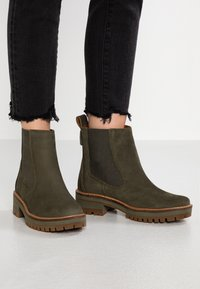 Timberland - COURMAYEUR VALLEY CHELSEA - Bottines - olive night - 0
