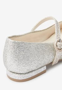 Next - SILVER/GOLD GLITTER HEELED MARY JANE SHOES (OLDER) - Bailarinas - gold - 3