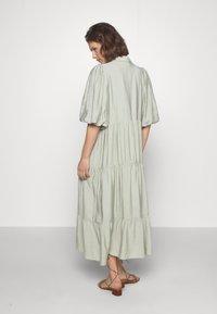 Gestuz - KIRITAGZ DRESS - Sukienka koszulowa - pale green - 2