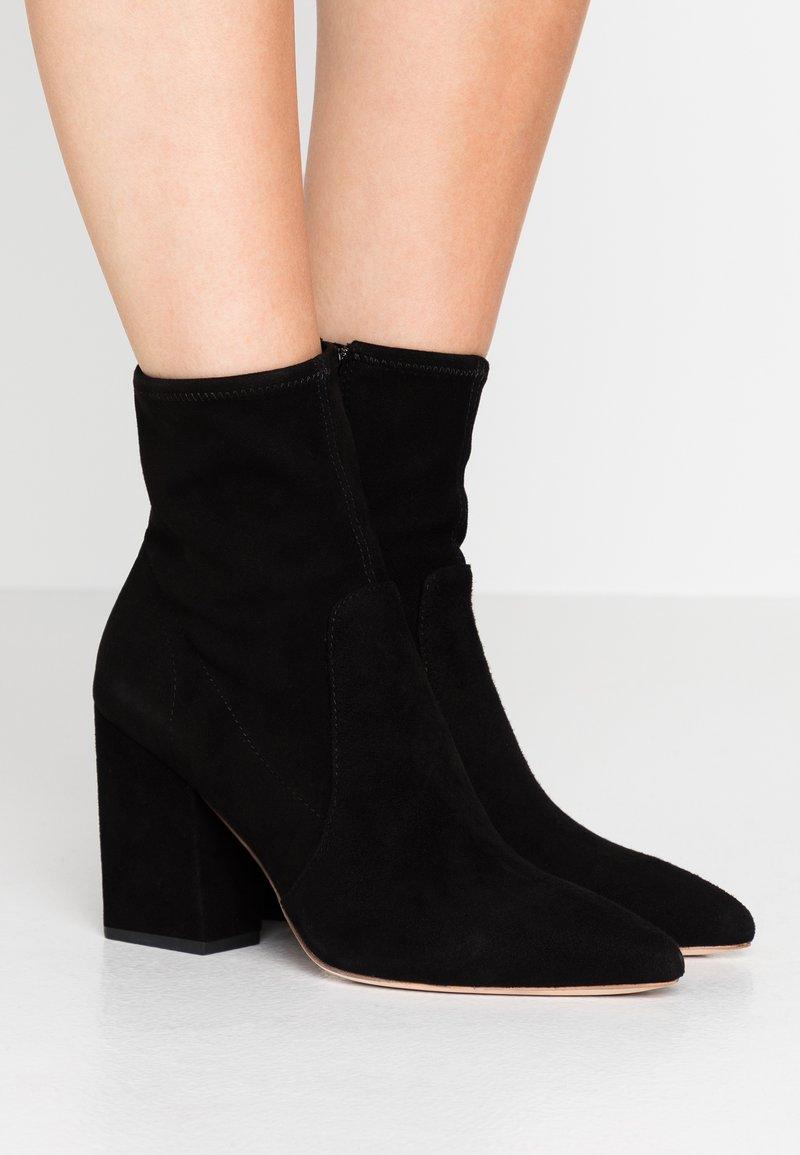 Loeffler Randall - ISLA SLIM WITH CHUNKY HEEL - High Heel Stiefelette - black