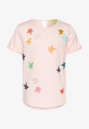 CLUSTERED STAR TEE - Triko spotiskem - peony pink