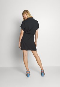 Vero Moda - VMSIMPLY EASY SHIRT DRESS - Skjortekjole - black - 2