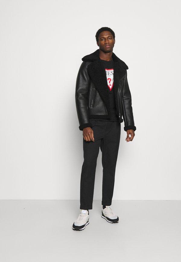 Guess ORIGINAL LOGO CORE TEE - Bluzka z długim rękawem - jet black/czarny Odzież Męska YNWM